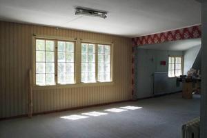 Grönbergs gamla möbelaffär i Jädraås förvandlas till plats där samtidskonsten diskuteras.