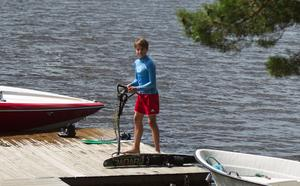 Emil Nordström är framtidshoppet i Silvköparens Vattenskidklubb