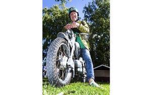 Lars Westman äger sex mopeder hittills, varav den Zündappen är den senaste i ordningen. Foto: Mikael Forslund