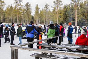 Både Losbor och mer långväga besökare deltog under dagen.