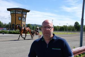 B-O Månsson ser fram emot en ny folkfest när Dannero kör sitt midsommartrav.