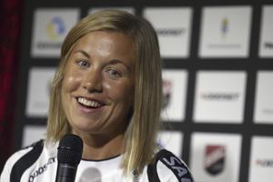 11. Emelie Frisk, 27 år (18), innebandy. 27-åringen, med Södertälje IBK som moderklubb, är bofast i landslaget. I december tog målvakten, som spelar för Täby i SSL, sitt andra VM-guld, den här gången efter att ha vaktat buren i finalen.
