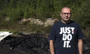 Jim Pernu hoppas att branden inte var anlagd.