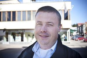 Pär Fack, 44 år, Järvsö:– Vid enstaka tillfällen, men inte jämt. Det skiljer sig också mellan olika restauranger. Jag äter lunch ute jämt.