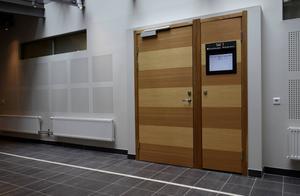 Häktningsförhandlingarna mot de två som misstänks för den grova misshandeln hölls bakom stängda dörrar.