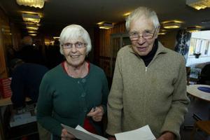 Marianna och John Idvardsson var två som passade på att ta årets influensaspruta. Och de är mycket positiva till sprutan.