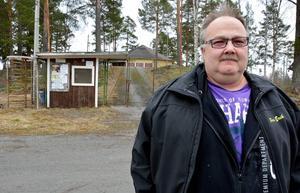 Per-Erik Persson berättar om den nybildade föreningen Tallbackens vänner och förhoppningarna om att få ta över arrendet av Ånges festplats.