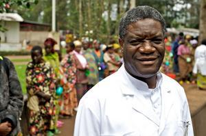 Läkaren Denis Mukwege är världsberömd för sitt arbete med att hjälpa kvinnor som utsatts för grovt sexuellt våld i Kongo. Han har fått mängder av priser och har nominerats till Nobels fredspris. På lördag är han på Hoppets Stjärna i Härnösand och berättar om sitt liv.