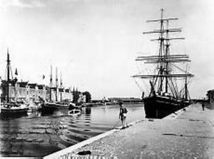 År 1936 lades Gerda vid kaj vid Södra Skeppsbron och blev museifartyg. Foto: CARL LARSSON (Ur Länsmuseets samlingar).