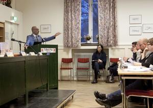 Shiro Biranvand, till vänster, yrkade på att rättvisefrågan skulle återremitteras. Arkivbild.