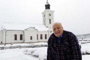 Lassar Stig Eriksson i Lima är något av svensk rekordman vad gäller motionslopp som under söndagen uppmärksammades för att ha fungerat som kyrkvärd i imponerande 55 år i Lima kyrka.
