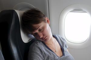 Det är inte alltid jätteskönt att sova på flygplanen.