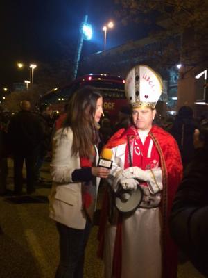 Tog en helg i Spanien och gick på derby mellan Granada–Malaga. Här blir en helt vanlig Granada-supporter intervjuad. Jobbig att hamna bakom den killen på matchen...