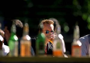 Det råder väldigt delade meningar om alkoholserveringen på det nya torget. Foto: Peter Lyd n/SCANPIX