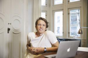 Sedan några år tillbaka bor Edsbykillen David Lindberg i Stockholm. Nu satsar han på en ny karriär inom musik.
