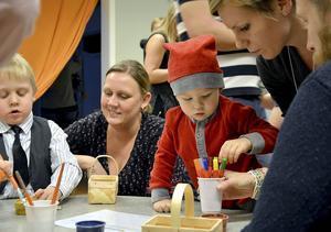 Uppdragen aktiverade såväl barn som medföljande föräldrar och släktingar.
