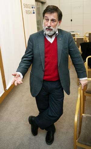 Försiktig general. Leif Pagrotsky utreder Socialdemokraternas skattepolitik. Han ser små möjligheter att genomföra stora förändringar då människorna har anpassat sig till den borgerliga regeringens skattesänkningar.foto: scanpix
