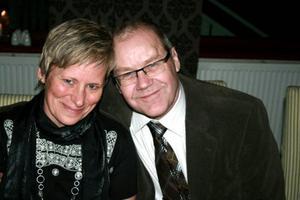 Priset som årets nötköttsproducenter 2009 fick Nils-Göranoch Katarina Nilsson från Ljusnedal.Foto: Privat