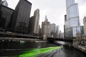 Chicagofloden färgas grön.
