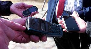 Telefonen längst fram tillhör Sture Björk. De har varit oskiljaktiga sedan 1997.