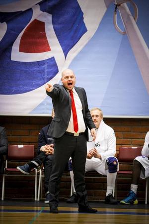 Pontus Frivold ser verkligen fram emot mötet med det regerande mästarlaget Södertälje.
