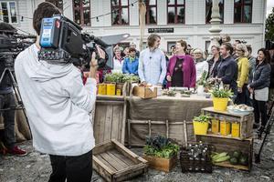 Astrid och William Åsgårdh från Nässelgården i Österåsen tävlade med ett nässelknäckebröd när tv-programmet