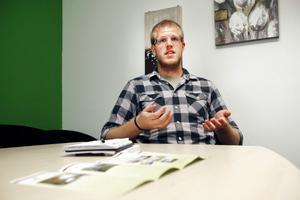 – Även om det är lindrigare här i Gävle än på många andra ställen så är det samma problem varje år, säger Gefle studentkårs ordförande Eric Persson om studentbostadsbristen.