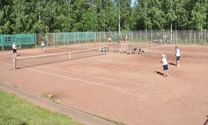 Totalt deltog drygt 70 spelare i Sommarspelen.