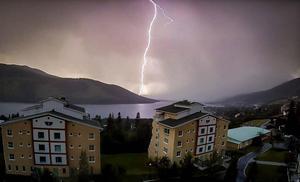 Läsarbild. Robin Todor fångade det här blixtnedslaget i Åre i slutet av juli.