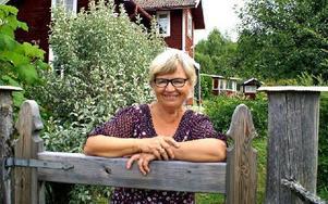 Elsie Börjes är i Nittsjö hela somrarna. Foto: Birgit Nilses Gröndahl
