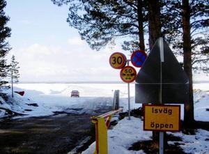 Isvägen var fortfarande på topp 1 april.