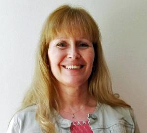 Monica Stjernsten i FUB Västernorrland kräver årliga hälsoundersökningar för alla med utvecklingsstörning.