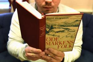 Ödemarkens folk av Elise Olofsson är en liten guldgruva för de som vill veta hur livet var mellan de två världskrigen i bygder såsom Ulvsjön.