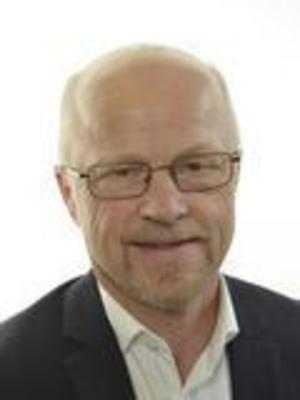 Stig Henriksson (V), riksdagsledamot från Fagersta, är kritisk mot att Transportsstyrelsen lagt ut känsla IT-system på entreprenad.