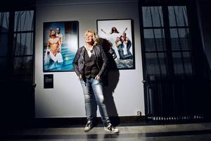 Mellan två bibelcitat. Elisabeth Ohlson Wallin och hennes Ecce homo har återvänt till Örebro.Foto: Veronika Ljung-Nielsen