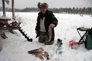 Janne Wikner är en trogen premiärfiskare och nöjde sig med åtta napp innan han åkte hem igen.