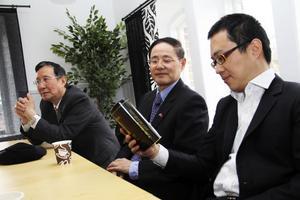 Linshen Jin, William Jiang och Weili Jin tror att det svenska kaffet skulle bli en framgångssaga i Shanghai.