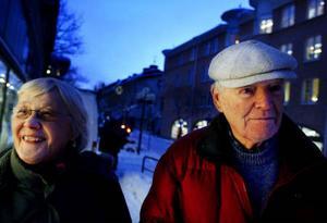 Den bevisade åldersskillnaden mellan män och kvinnor stämmer in även på Kerstin Olofsson och Sten Emerén från Östersund. Sten är fem år äldre än Kerstin. Foto: Henrik Flygare