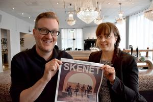 Jens Höglin, från studieförbundet Bilda, och Katarina Lenz, hotelldirektör på Strand, ser fram emot premiären av Club Frifolk på onsdag.