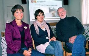 Miljönämndens vice ordförande Christina Bröms, C, miljöchefen Camilla Björck och nämndens ordförande Hans Nahlbom, S, är positiva till ökat samarbete mellan Mora och Orsa.FOTO: JENNIE-LIE KJÖRNSBERG