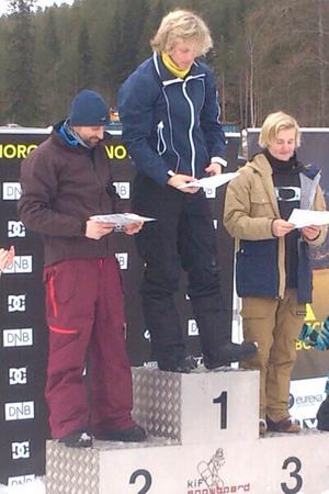 Tim Westerlund (th) från Bjästa Alpina Klubb tog en bronspeng vid helgens SBX-tävlingar i Norge.