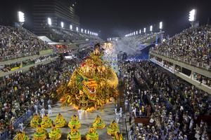 Enorma mängder folk besöker Brasilien under festivalen.