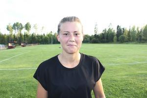 Elin Åslund ligger med sina nio mål på delad fjärdeplats i skytteligan i division 2 södra Norrland.