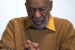 Bill Cosby anklagas för att under flera decenniers tid ha drogat och våldtagit en lång rad kvinnor.