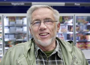 Kurt Nylén, Hudiksvall–Nej, det är oförändrat. Jag har köpt en bit blodpudding, det är gott det. Det sitter i sedan barnsben att vara rädd om pengarna.
