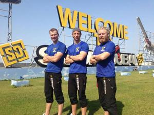 Jonas Nilsson, Lars Eriksson och Henrik Norin har just avslutat ännu en storinternationell hopptävling i Förenade Arabemiraten. Svenskarna slutade fyra, tio poäng efter Frankrike.Arkivbild