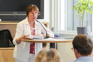 Att det skulle vara en socialdemokratisk kovändning tyckte inte kommunalrådet Gunilla Zetterström Bäcke (S).