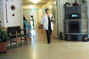 Distriktssköterskan Gunilla Lundell är spindeln i nätet på mottagningen i Storsjö.