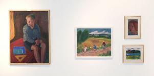 Mollie Faustman delar vägg med Marthe Bohm på Hälsinglands museum. Här syns målningarna Kråköpojke, Lördagskväll, Dansk flicka samt Timmervälta, Ljusnan. Foto: Malin Pahlm