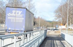 Nu blir cykelbanan förbi Ovakos industriområde byggd snart. 1,9 miljoner kronor beräknas det kosta.